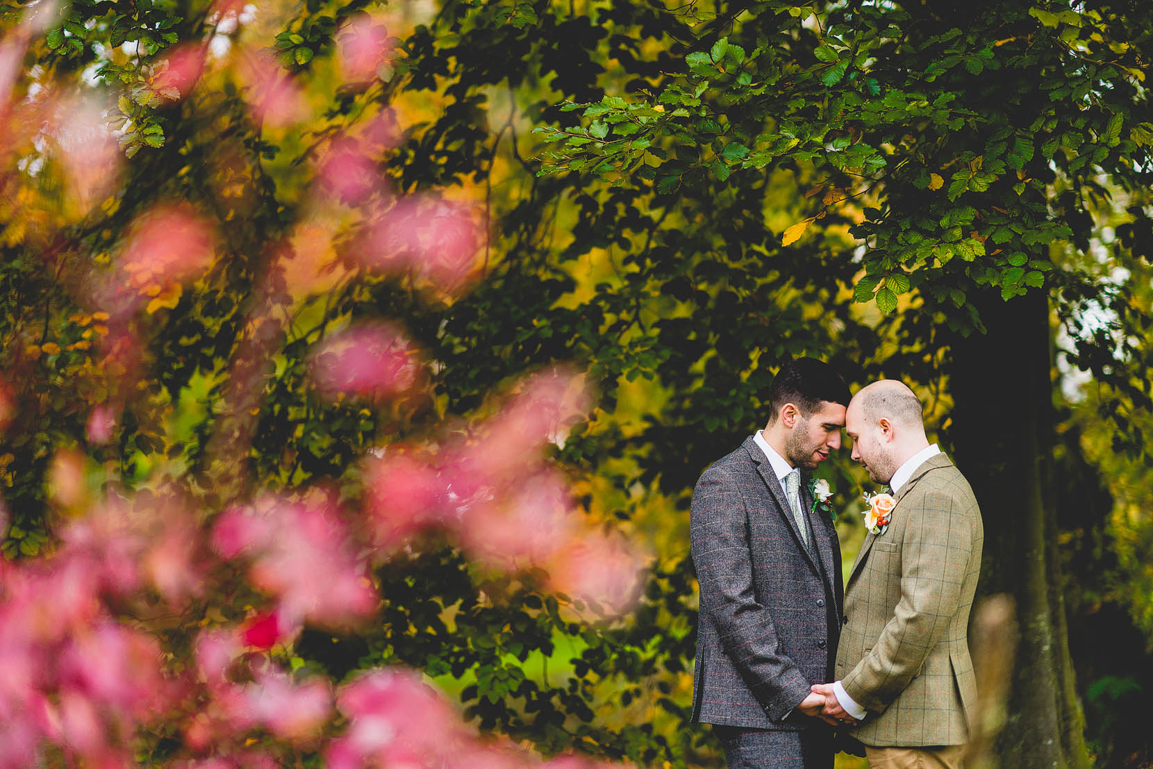 Sizzling hot winter wedding at elms barn. Jame sand Nabil cuddle in the colour